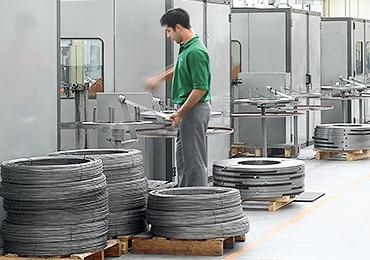vemek-servizi-problem-solving-step-4-attrezzaggio-macchine-e-produzione